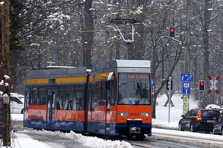 http://www.bimmelbus-leipzig.de/Bahnen/FahrschulwagenL/Haltestellen/Klingerweg/FahrschulwagenL_Klingerweg_1.jpg