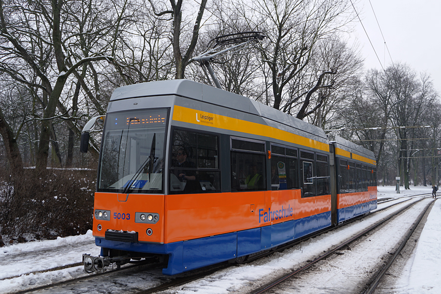http://www.bimmelbus-leipzig.de/Bahnen/FahrschulwagenL/Haltestellen/Klingerweg/FahrschulwagenL_Klingerweg_2.jpg