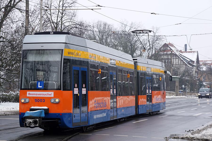 http://www.bimmelbus-leipzig.de/Bahnen/FahrschulwagenL/Haltestellen/Klingerweg/FahrschulwagenL_Klingerweg_3.jpg