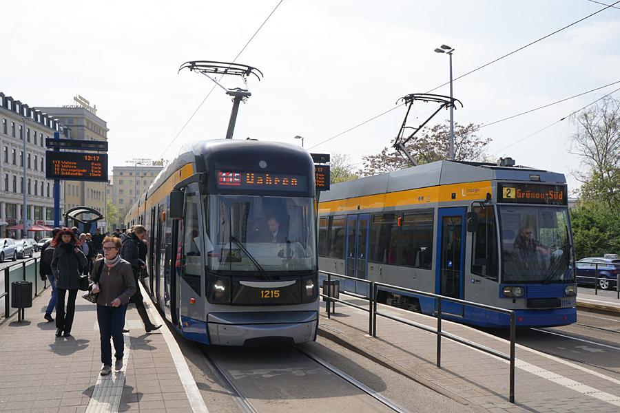http://www.bimmelbus-leipzig.de/Bahnen/NGT12/Stadtzentrum/Rossplatz/NGT12_Rossplatz_3.jpg