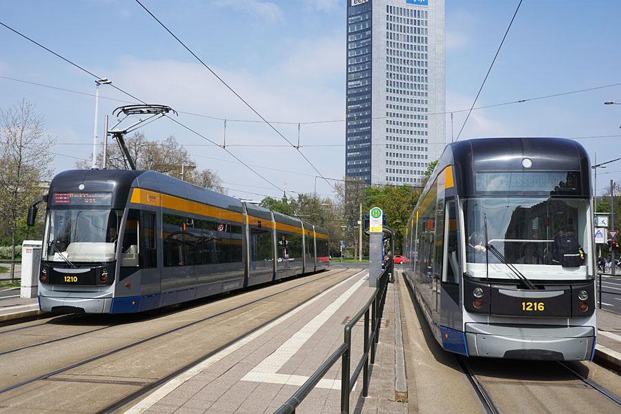 http://www.bimmelbus-leipzig.de/Bahnen/NGT12/Stadtzentrum/Rossplatz/NGT12_Rossplatz_4.jpg