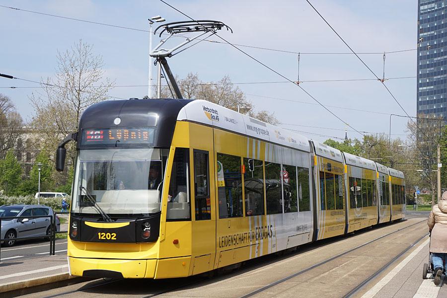 http://www.bimmelbus-leipzig.de/Bahnen/NGT12/Stadtzentrum/Rossplatz/NGT12_Rossplatz_5.jpg