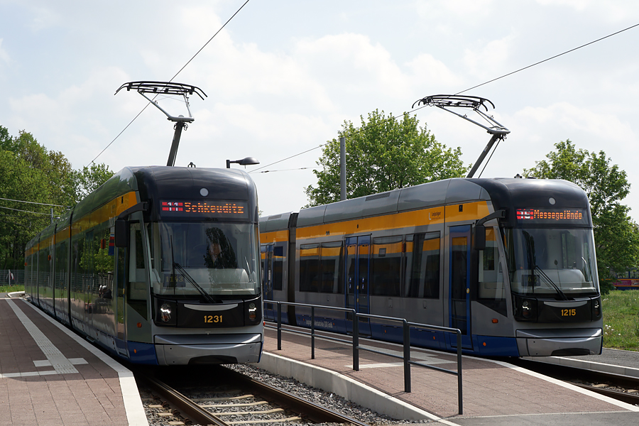 http://www.bimmelbus-leipzig.de/Bahnen/NGT12/ZwickauerStrasse/Lossnig/NGT12_Lossnig_31.jpg