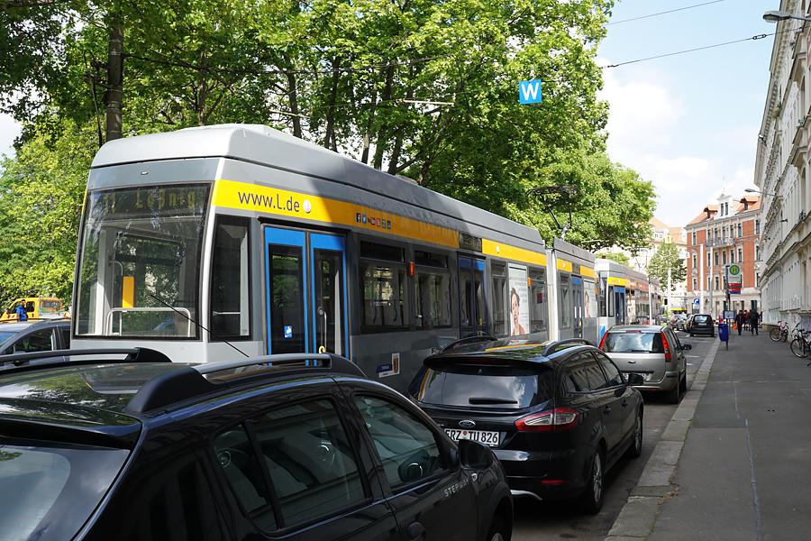 http://www.bimmelbus-leipzig.de/Bahnen/NGT6/ArnoNitzscheStrasse/Wiedebachplatz/NGT6_Wiedebachplatz_3.jpg