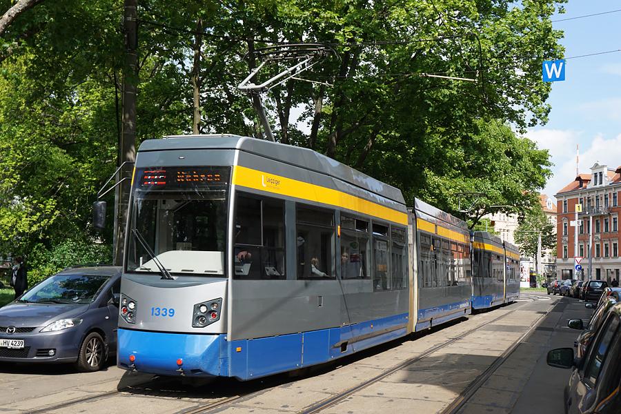 http://www.bimmelbus-leipzig.de/Bahnen/NGT6/ArnoNitzscheStrasse/Wiedebachplatz/NGT6_Wiedebachplatz_4.jpg