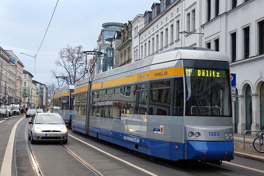 http://www.bimmelbus-leipzig.de/Bahnen/NGT6/KarlLiebknechtStrasse/Munzgasse/NGT6_Munzgasse_4.jpg