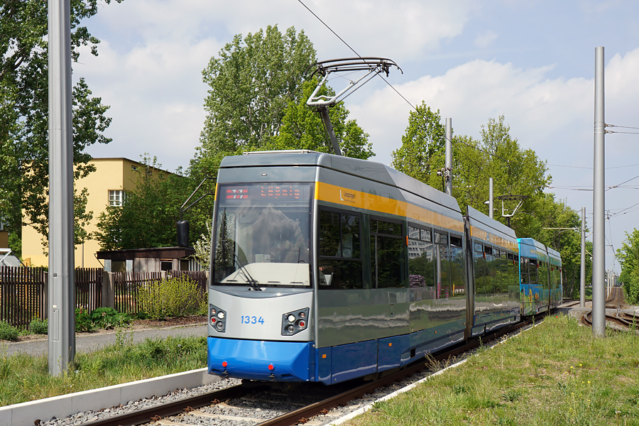 http://www.bimmelbus-leipzig.de/Bahnen/NGT6/ZwickauerStrasse/Lossnig/NGT6_Lossnig_1.jpg