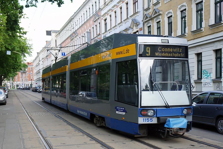 http://www.bimmelbus-leipzig.de/Bahnen/NGT8/ArnoNitzscheStrasse/Wiedebachplatz/NGT8_Wiedebachplatz_1.jpg