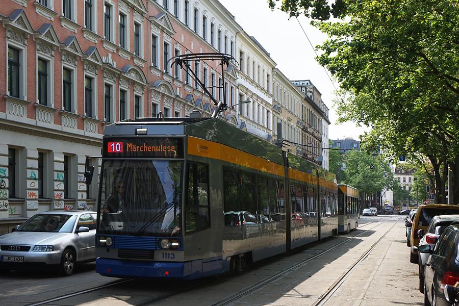 http://www.bimmelbus-leipzig.de/Bahnen/NGT8/ArnoNitzscheStrasse/Wiedebachplatz/NGT8_Wiedebachplatz_2.jpg
