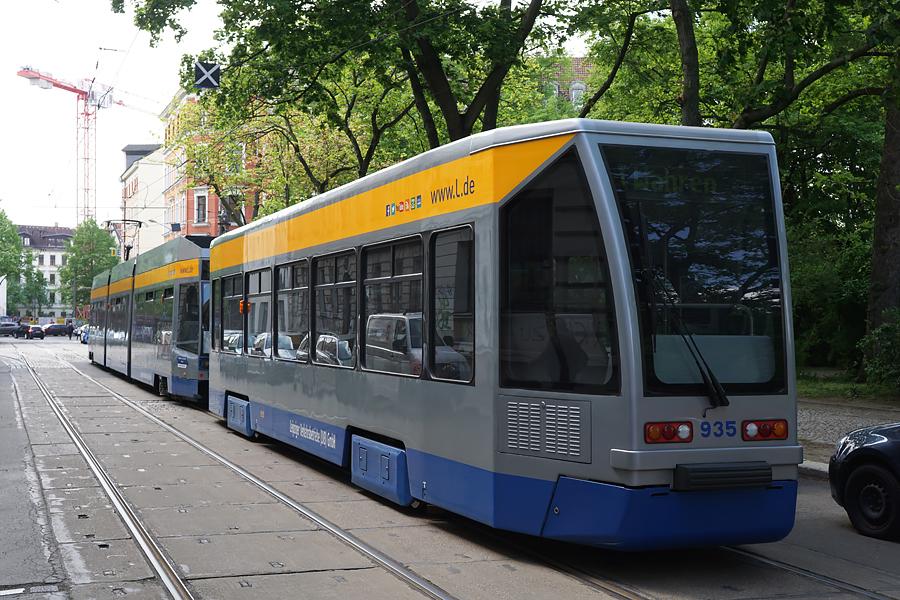 http://www.bimmelbus-leipzig.de/Bahnen/NGT8/ArnoNitzscheStrasse/Wiedebachplatz/NGT8_Wiedebachplatz_5.jpg