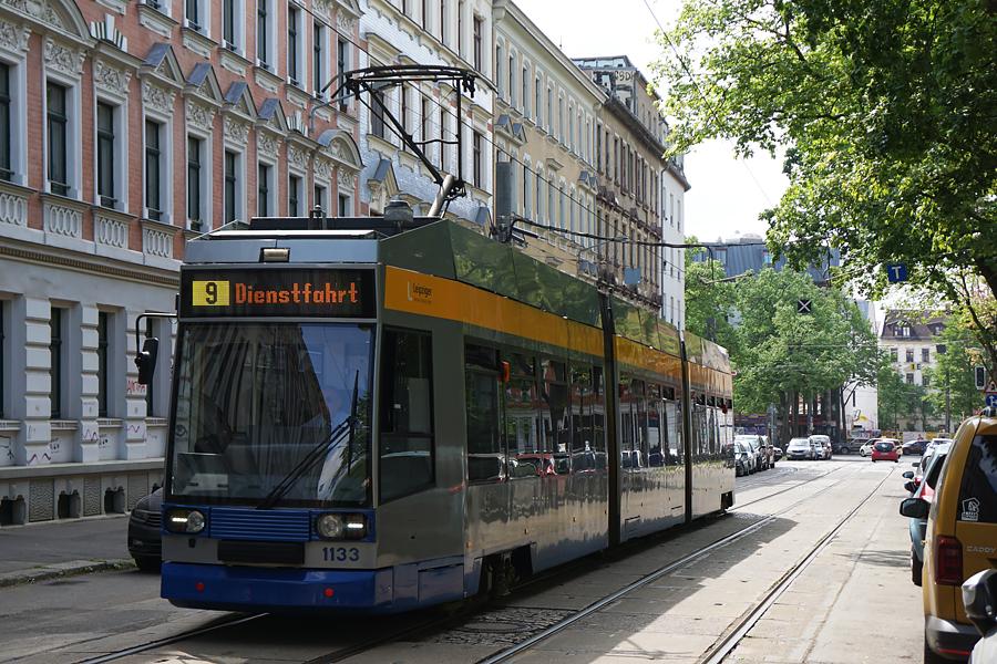 http://www.bimmelbus-leipzig.de/Bahnen/NGT8/ArnoNitzscheStrasse/Wiedebachplatz/NGT8_Wiedebachplatz_6.jpg