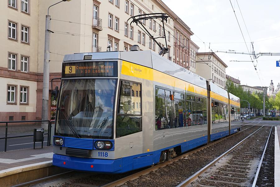 http://www.bimmelbus-leipzig.de/Bahnen/NGT8/Windmuhlenstrasse/Hartelstrasse/NGT8_Hartelstrasse_7.jpg