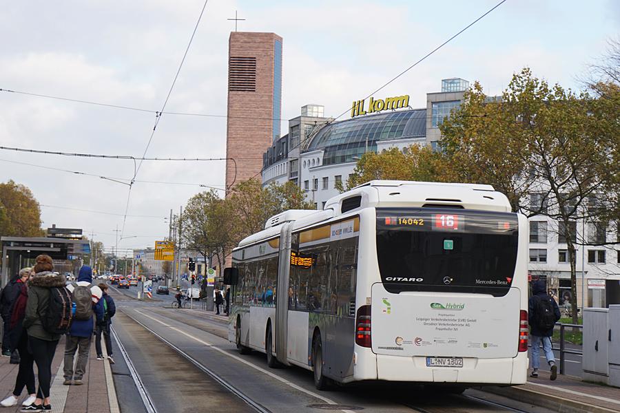 http://www.bimmelbus-leipzig.de/Busse/O530GDH/Stadtzentrum/NeuesRathaus/O530GDH_NeuesRathaus_4.jpg