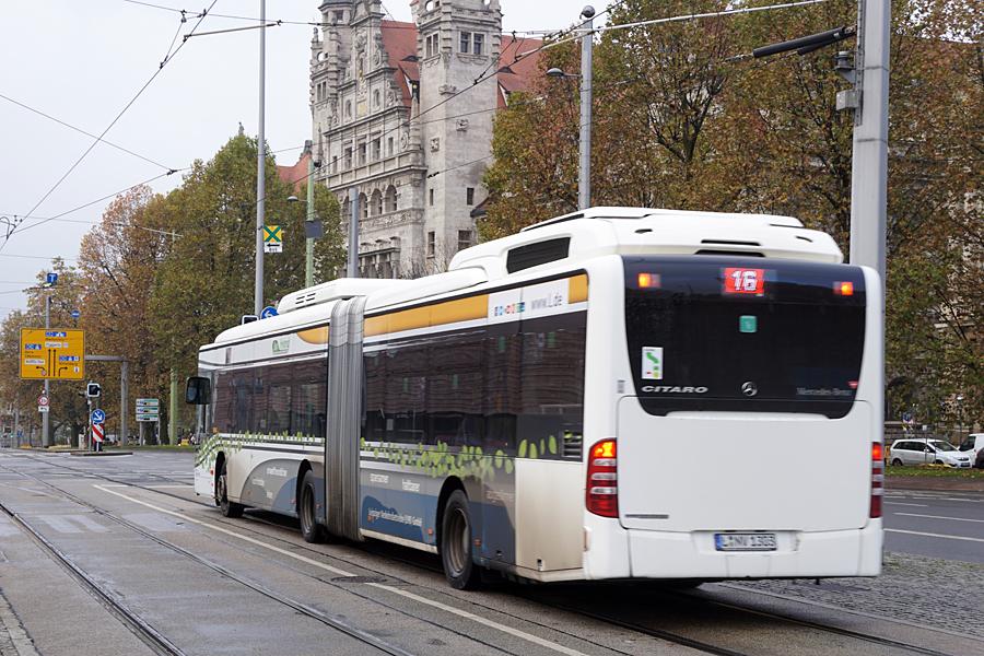 http://www.bimmelbus-leipzig.de/Busse/O530GDH/Stadtzentrum/WilhelmLeuschnerPlatz/O530GDH_WilhelmLeuschnerPlatz_3.jpg