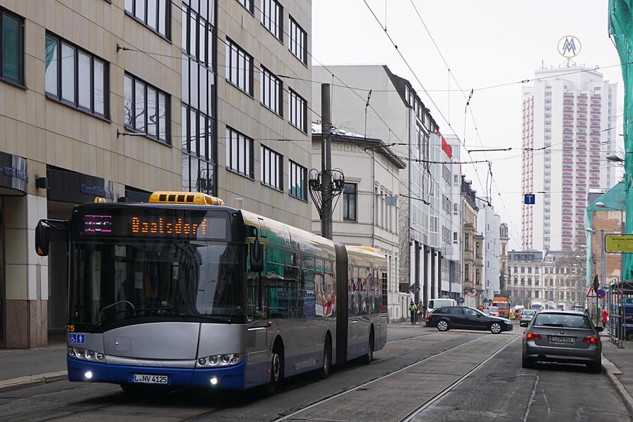 http://www.bimmelbus-leipzig.de/Busse/Urbino18/RosaLuxemburgStrasse/FriedrichListPlatz/Urbino18_FriedrichListPlatz_3.jpg