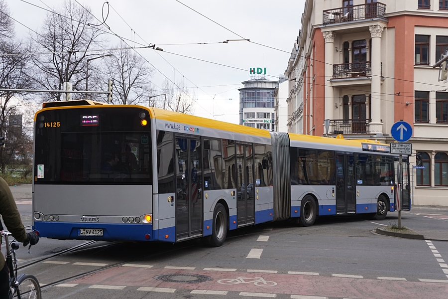 http://www.bimmelbus-leipzig.de/Busse/Urbino18/RosaLuxemburgStrasse/FriedrichListPlatz/Urbino18_FriedrichListPlatz_5.jpg