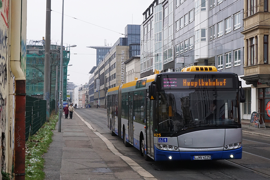 http://www.bimmelbus-leipzig.de/Busse/Urbino18/RosaLuxemburgStrasse/Hofmeisterstrasse/Urbino18_Hofmeisterstrasse_7.jpg