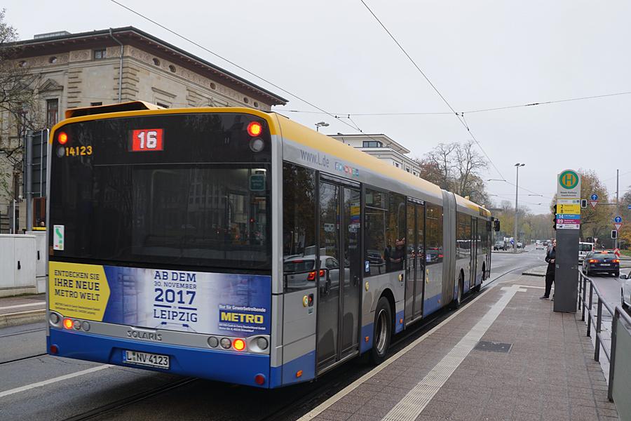http://www.bimmelbus-leipzig.de/Busse/Urbino18/Stadtzentrum/NeuesRathaus/Urbino18_NeuesRathaus_11.jpg