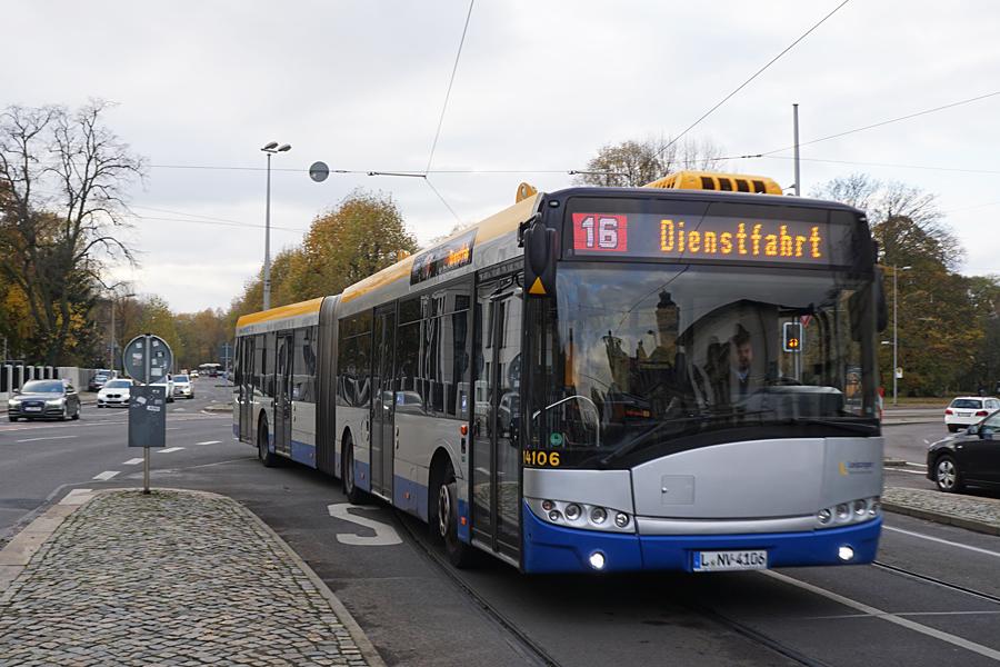 http://www.bimmelbus-leipzig.de/Busse/Urbino18/Stadtzentrum/NeuesRathaus/Urbino18_NeuesRathaus_3.jpg